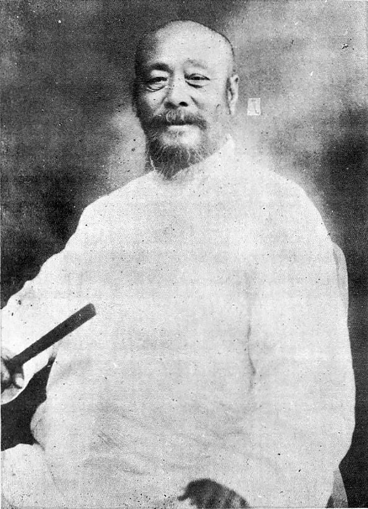 wu-jianquan-potraet-rettet
